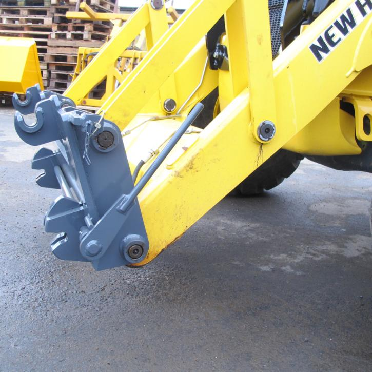 New Holland LB110 Quick Hitch