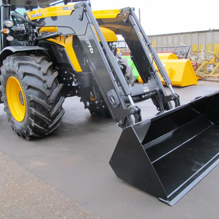 JCB Fast Trac with Quicke Loader - General Purpose Bucket