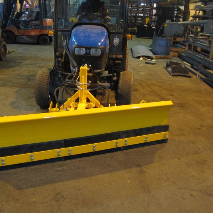 450mm x 1800mm Hydraulic Slew on NH Compact Tractor c/w Front Linkage
