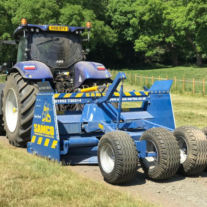 Gravel Road Grader/Gravel Layer c/w ripper teeth, tilting frame and hardox edges