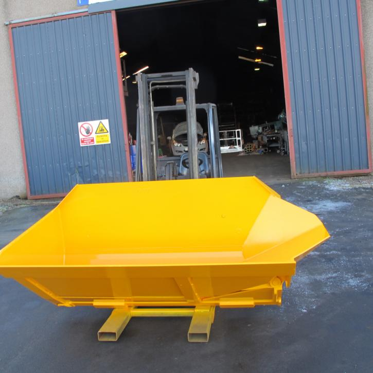 Side Tipping Bucket c/w Chute Extension