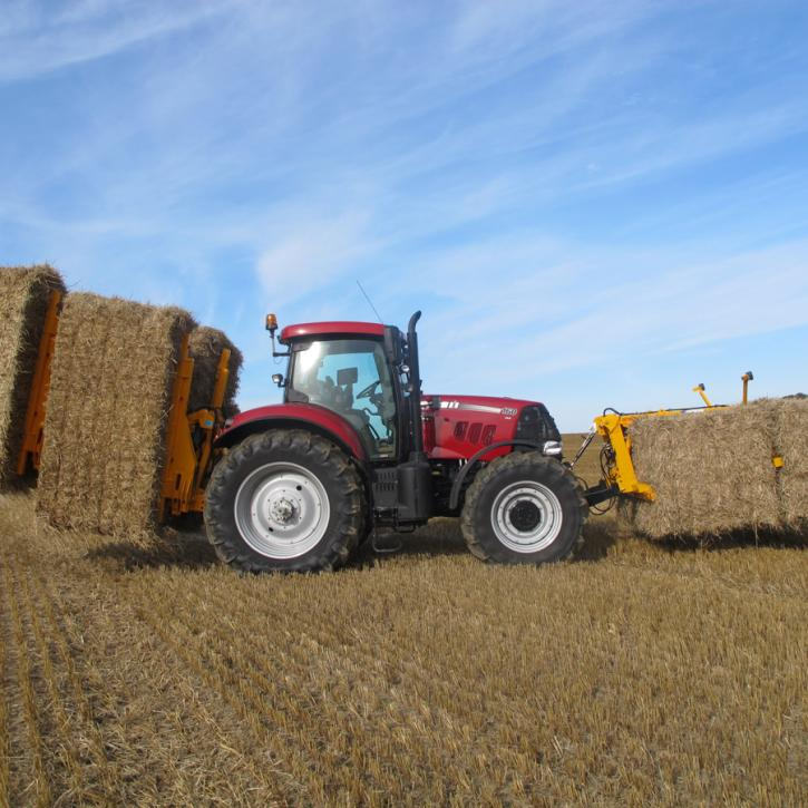 cta-Quad Bale Handling System - front and rear sections for carrying 12 round bales or 6 Heston bales at a time.